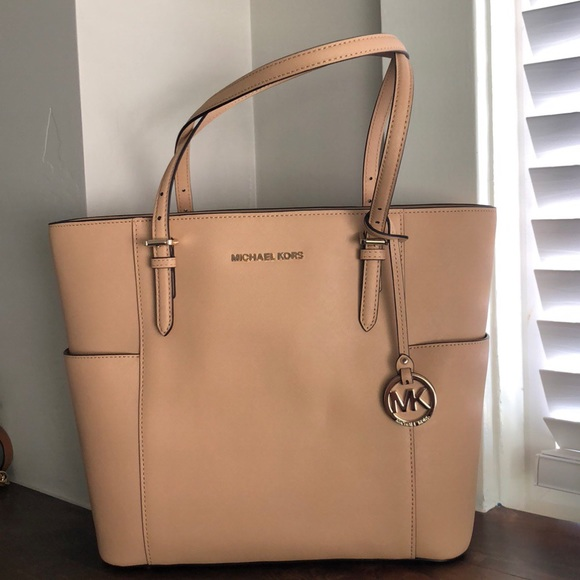8c791a7cd410 Michael Kors Jet Set Travel leather tote Butternut
